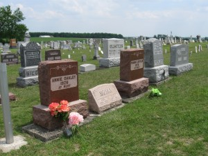 Annie Oakley grave (left), Brock, OH. Frank Butler's grave is the matching stone on the right.